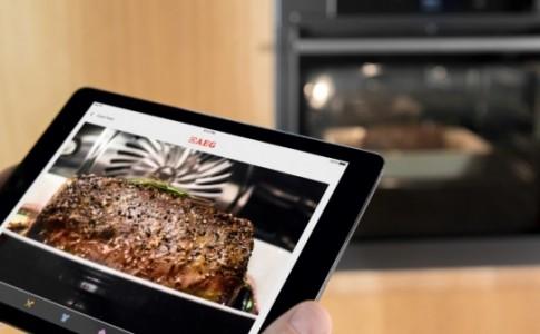 Ο πρώτος φούρνος με ενσωματωμένη κάμερα, για να βλέπετε τι…ψήνεται!