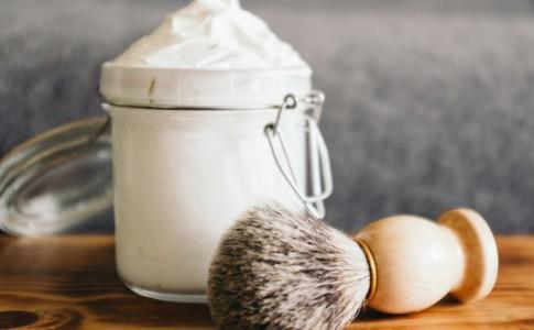 DIY: Σπιτικός αφρός ξυρίσματος