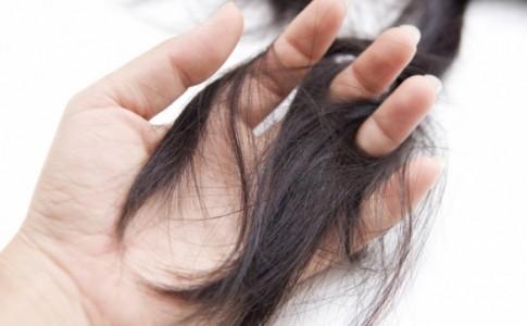 Η πρώτη άσπρη τρίχα στα μαλλιά μου...