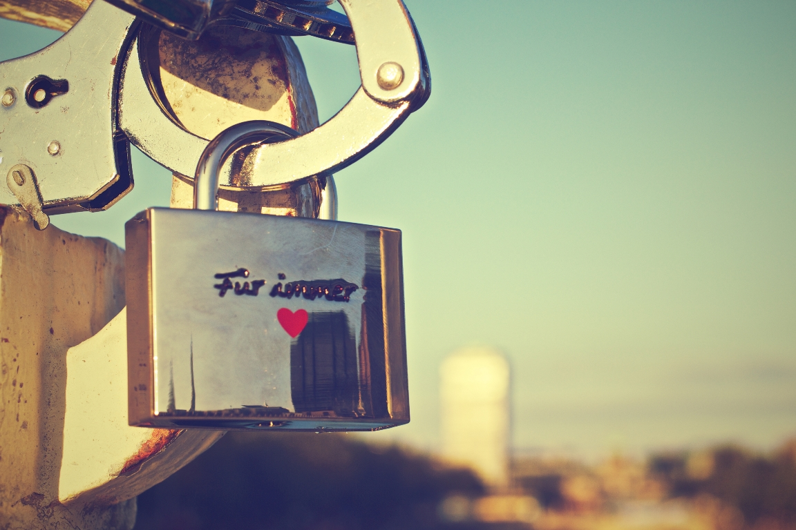 german-love-padlock