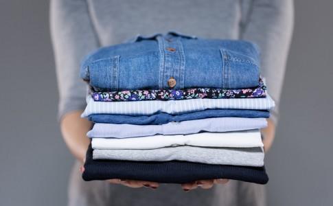 Εξαναφίστε τους λεκέδες λαδιού από τα ρούχα σας!