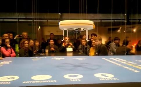 Άνοιξε το πρώτο καφέ που αντί για σερβιτόρους έχει... drones
