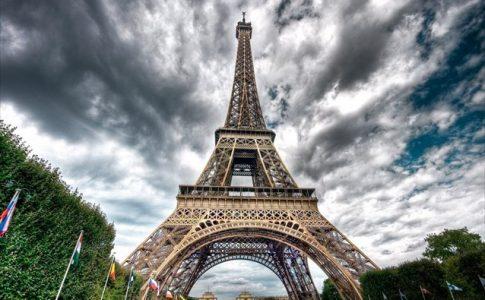 Ο Πύργος του Αϊφελ γίνεται ξενοδοχείο -Για το Euro 2016